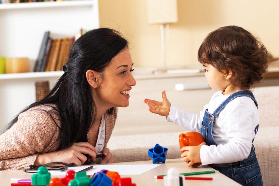 Ventajas y desventajas del cuidado de las niñeras